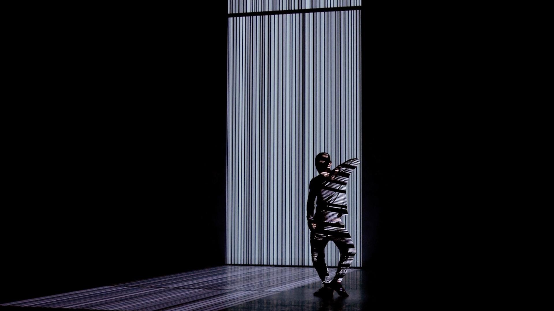 独創的なパフォーマンス作品を創造し続けるアーティスト梅田宏明が語る、感覚と身体と世界。