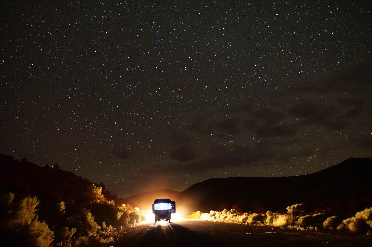 夜空とバス