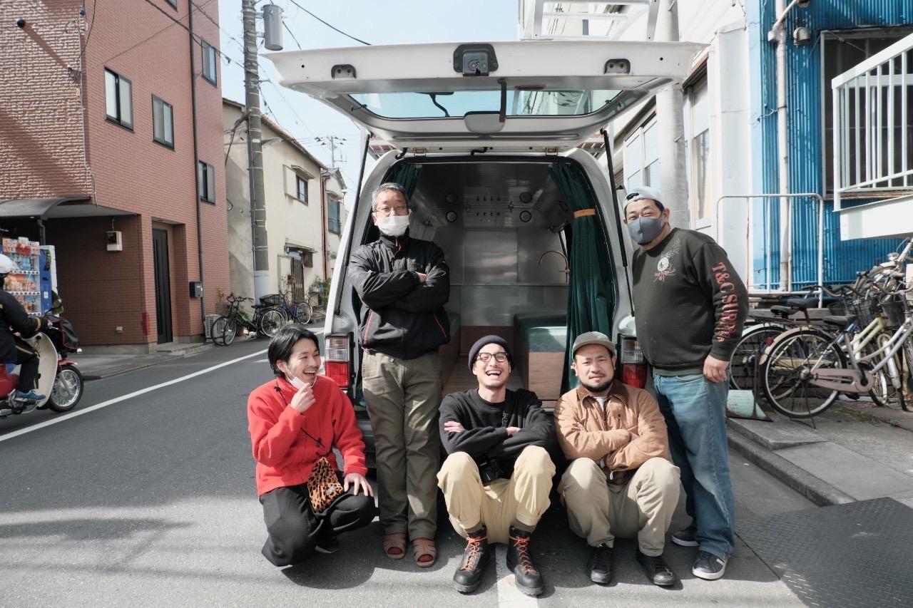 左から デザイナー西永 竜也さん、Setup代表 豊岡博志さん、クリスさん、Setup三浦泰史さん、Setup稲岡弘明さん
