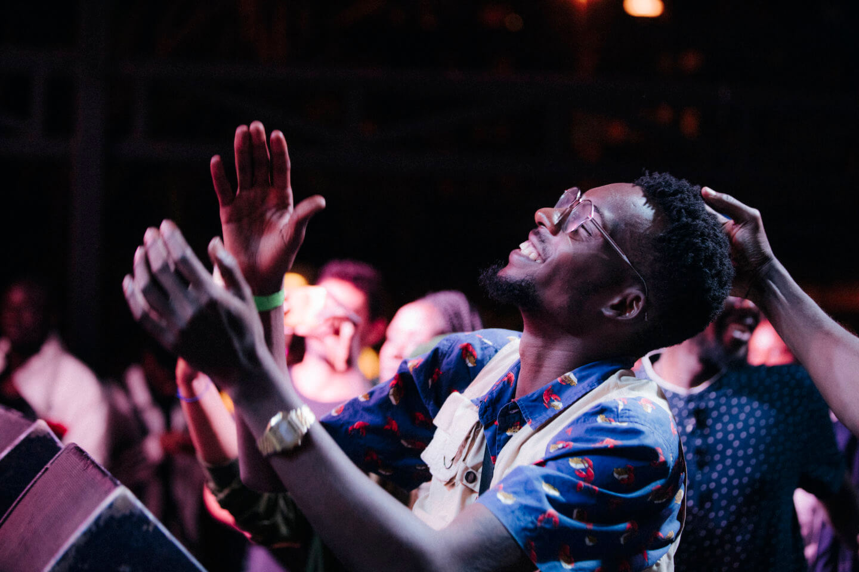 ESP-Nariobi-2019-Dan-Medhurst-2-61-1440x960 即興と融合。英国・ケニア・ウガンダ8人の伝統と才能が交わるサウンドプロジェクト。ソウルミュージック未聴の領域へ「ESP」