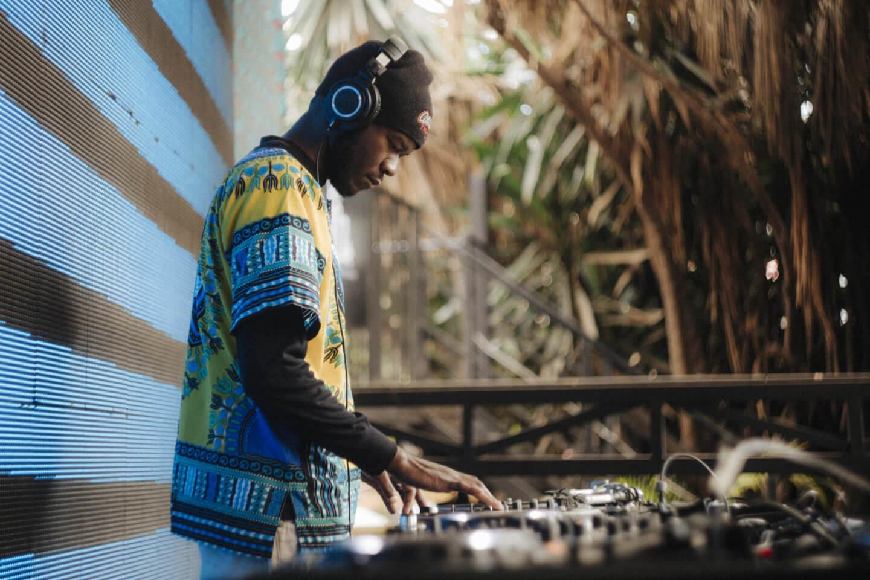 ESP-Nariobi-2019-Dan-Medhurst-5174-1440x960 即興と融合。英国・ケニア・ウガンダ8人の伝統と才能が交わるサウンドプロジェクト。ソウルミュージック未聴の領域へ「ESP」